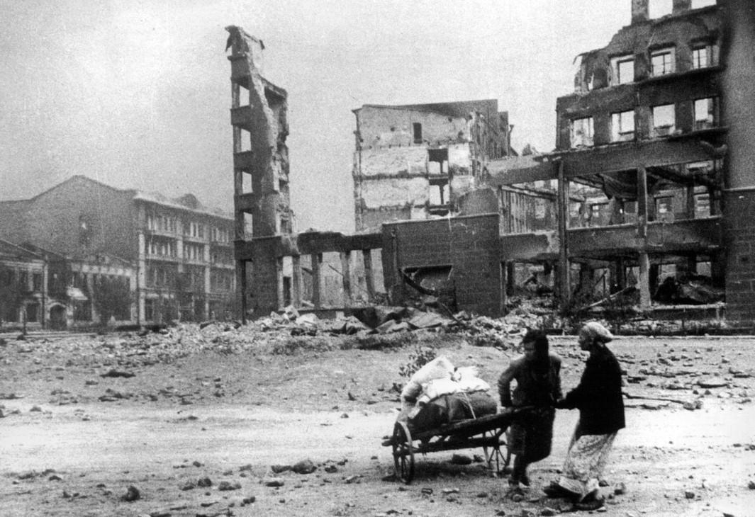Какой материальный ущерб нацистская Германия нанесла СССР