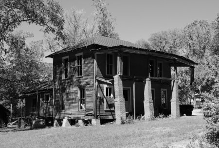 1335541399_old-house-moscow-texas