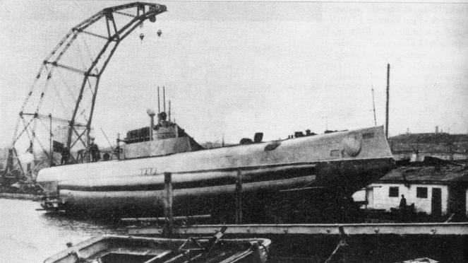Russian_submarine_Krab_2-663x372