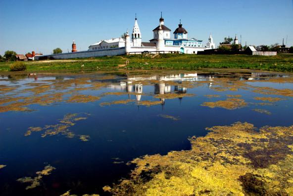 5.bobrenev_monastyr-592x396