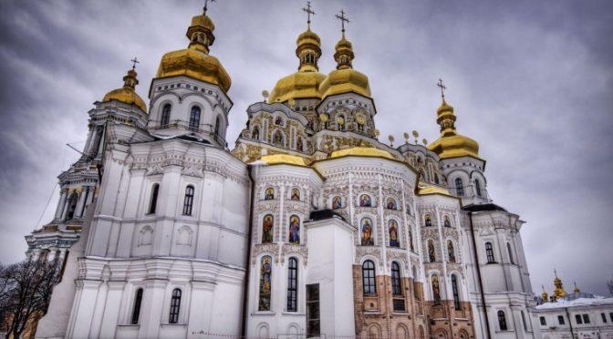 Какие вещи нельзя делать в православном храме