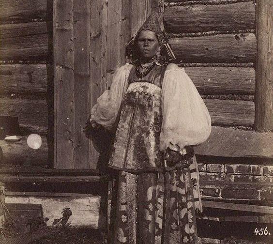 «Вековухи»: почему так называли старых дев на Руси