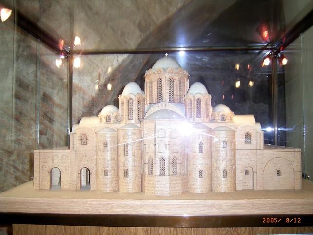 Макет-реконструкция первоначального облика собора Фото - Александр Носкин