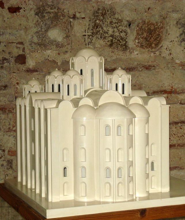 Макет первоначального облика Софийского собора