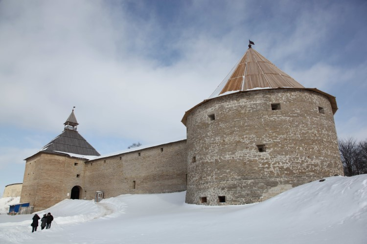 Ладожская крепость . IX-XVII века