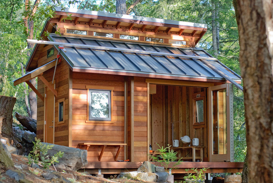 Построить небольшой домик