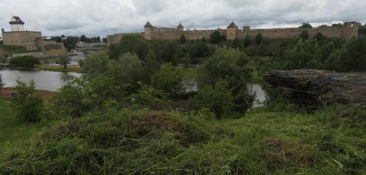 2. Нарвский замок и Ивангородская крепость