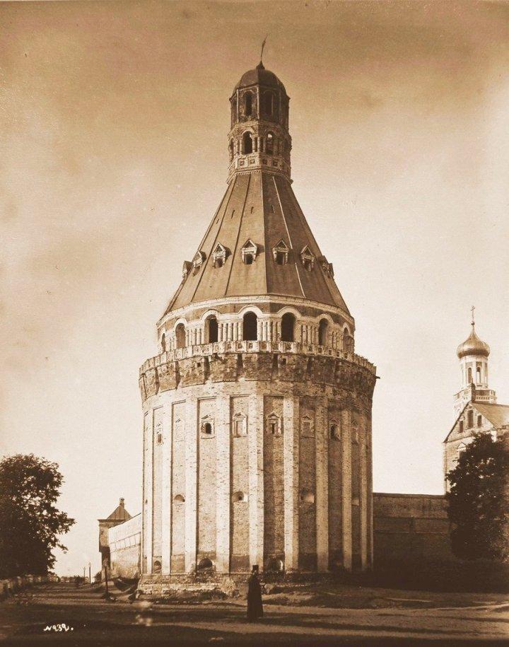 Москва. Башня Дуло-Симонова Успенского мужского монастыря