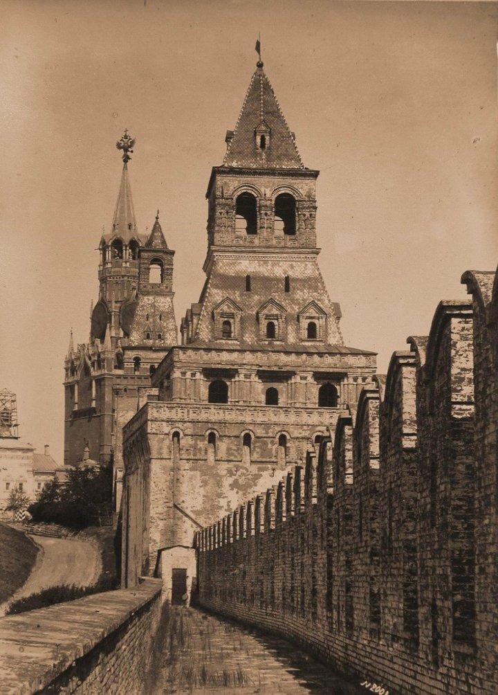 Москва. Кремль. Константино-Еленинская башня