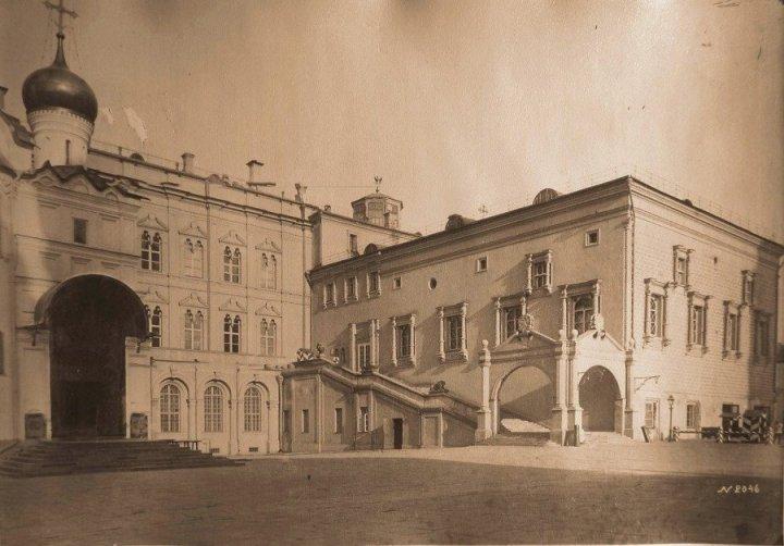 Москва. Кремль. Красноек рыльцо и Грановитая палата