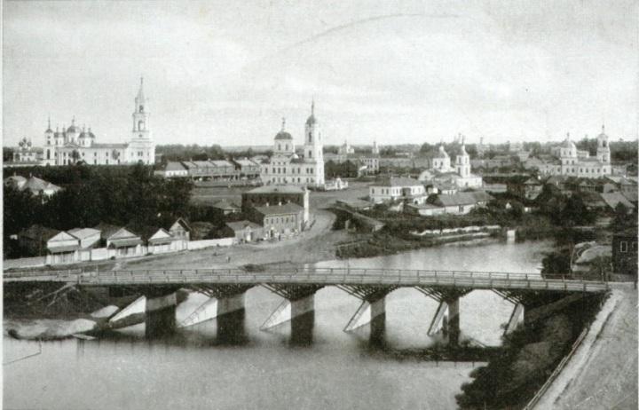 Вид на центр города с каланчи.