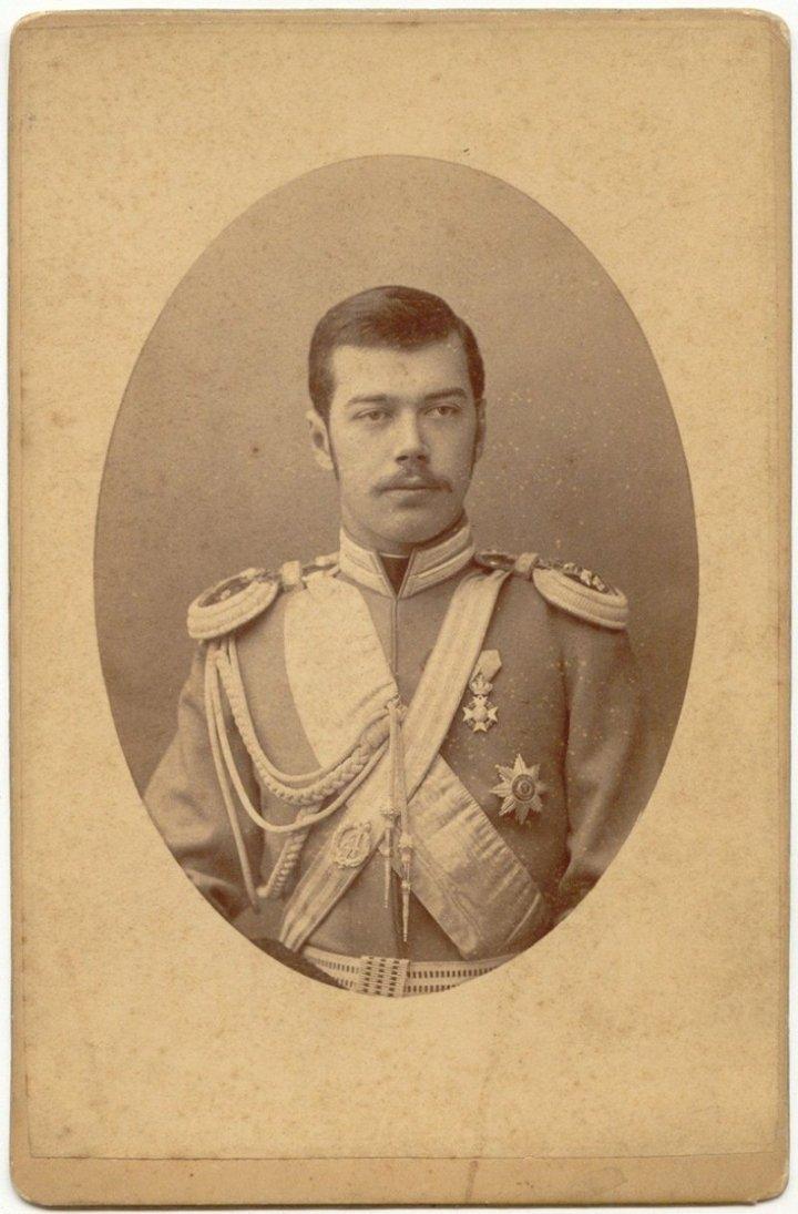 Николай II в форме лейб-гвардии Е. И. В. Наследника Цесаревича Атаманского полка, 1880