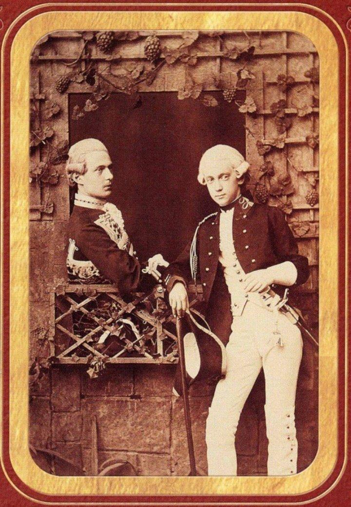 Великие князья Сергей и Павел Александровичи в театральных костюмах. 1870-е.