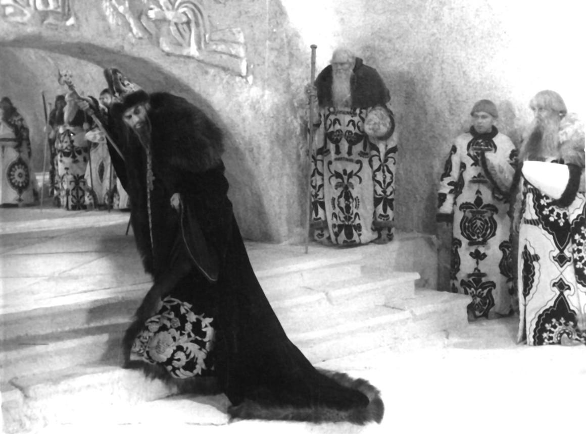 Зачем Иван Грозный устроил погром в Великом Новгороде